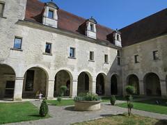 Musée des Arts du cognac, Cognac (16) (Yvette G.) Tags: architecture cognac 16 charente poitoucharentes nouvelleaquitaine musée muséedesartsducognac