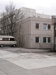 Haus 10. / 04.03.2019 (ben.kaden) Tags: berlin hohenschönhausen althohenschönhausen freienwalderstrase architekturderddr plattenbau 2019 04032019
