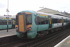 377156 (Rob390029) Tags: 377156 southern class 377 electrostar emu electric multiple unit train track tracks rail rails travel travelling transport transportation transit public clapham junction railway station london green clj