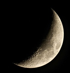 5 day old Crescent Moon (Sarah and Simon Fisher) Tags: 29 astronomy astrophotography moon moonwatch lunar lunarseas craters crescent waxing clear goto telescope primefocus canon 600d maksutov 127mm bromsgrove worcestershire uk nightsky skywatcher