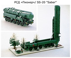 """RSD-10 """"Pioneer""""/ SS-20 """"Saber"""" diorama (Mad physicist) Tags: lego coldwar soviet military minifig ss20 saber rsd10 pioneer missile tel maz547"""