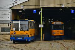 Ikarus 280.02 #LIK_280 Tatra T4D-M #2189  LVB Leipzig Lipsk (3x105Na) Tags: ikarus 28002 lik280 tatra t4dm 2189 lvb leipzig lipsk strassenbahn strasenbahn tram tramwaj deutschland germany niemcy sachsen saksonia bus austobus