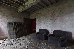 Hands (Giorgio Marra) Tags: abandoned echoes empty ruin time urbex dust italy indoor old forgotten lost contrast photography photo past light flickr decay dark decadence darkness details shadow canon memories mansion sofa armchair hands room door pink fotografia abbandono