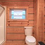 "Cabin in Gatlinburg, TN <a style=""margin-left:10px; font-size:0.8em;"" href=""http://www.flickr.com/photos/132885244@N07/40606418673/"" target=""_blank"">@flickr</a>"