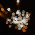 Feuerwerk zu Neujahr, mit Bokeh aufgenommen in Bloemendaal, Niederlande thumbnail