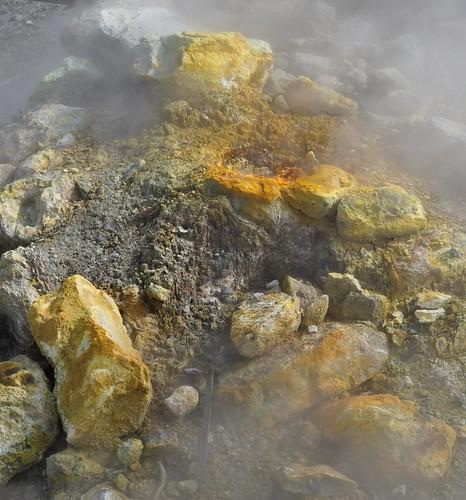 La Bocca grande, cratère du volcan, la Solfatara, Pouzzoles, Campanie, Italie.