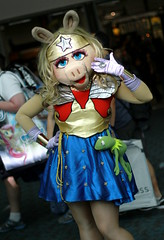 It's a Wonder Pig. (RICHARD OSTROM) Tags: sdcc summer sandiego sexy comiccon city california convention costume cosplay canon wonderwoman muppets mrspiggy community nerds hanging 2016 pig dslr