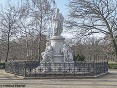 Berlin, Goethe (bleibend) Tags: 2019 em5 leicadgsummilux25mmf14 omd berlin bundeshauptstadt erinnerung gedenken gedenkstätte goethe kulturgut kunst m43 mft olympus olympusem5 olympusomd