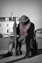 Tommy (oddbodd13) Tags: statue memorial soldier coloursplash poppy seaham