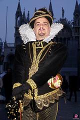 QUINTESSENZA VENEZIANA 2019 087 (aittouarsalain) Tags: venise venezia carnavale carnaval chapeau costume portrait