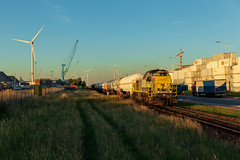 LNS 7811 + Afvoer AGT en Euroports (Durk Houtsma.) Tags: 7811 hld77 lna lineas hlr77 agt oiltanking lns linkeroever waaslandhaven diesellok beveren oostvlaanderen belgië be