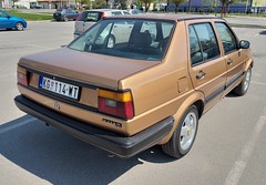 1987 Volkswagen Jetta II Cat (FromKG) Tags: vw volkswagen jetta cat orange car kragujevac serbia 2019