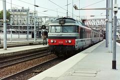 67619 running into Gare du Nord, Paris, 26-04-07 (Tin Wis Vin) Tags: locos railways sncf france paris nord