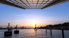 Dockland  Hamburg (petra.foto busy busy busy) Tags: sonnenuntergang langzeitbelichtung architektur fotopetra 5dmarkiii hamburg hafen elbe flus germany dockland gebäude spiegelung wasser bürogebäude