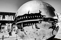 Sfera con sfera (Stauromel) Tags: roma sfera ciudaddelvaticano italia pomodoro belvedere cortile bn blancoynegro blackwhite arnaldopomodoro stauromel skyline street alquimiadigital escultura fuji fujixt2
