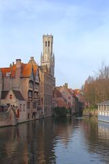 Rozenhoedkaai (Brian Aslak) Tags: rozenhoedkaai brugge bruges westvlaanderen vlaanderen flanders flandre belgië belgique belgium europe bellfry canal