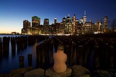 New York 2019 IMG_7080.CR2 (Daniel Hischer) Tags: architecture bluehour brooklyn brooklynbridgepark city downtown dusk manhattan newyork newyorkcity nyc people skylineskyscraper skyscraper sunset usa