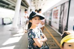 Waiting. (MichelleSimonJadaJana) Tags: color sony ilce7rm3 α a7riii a7r iii full frame emount femount nex fe zeiss batis 40mm f2 402 cf ze4020cf vsco documentary lifestyle snaps snapshot portrait childhood children girl girls kid jada jana bangkok thailand