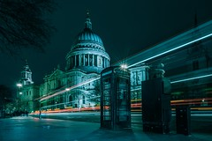 Light trains with famous phonebox (gaztotalmods) Tags: longexposure lighttrails classic phonebox stpauls london zeiss1635f4 zeiss sony a7iii