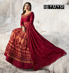 Maroon & Peach Embroidered #AnarkaliSuit Online On #YOYOFashion. (yoyo_fashion) Tags: anarkalisuit style fashion dresses suits shopping offers womenwear eidspecialdress maroonanarkalisuit embroideredanarkalisuit indianwedding womenfashion outfitinspo ethnic indianfashion offer indianwear ethnicwear bridalwear