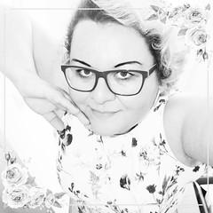 IMG_20190319_084500_239 (MaggieS99) Tags: selfie selfportrait portrait artphoto artphotography woman girl girlpower blonde blondehair blackandwhite blackandwhitephoto style stylish glasses goodtimes me maggie flowers flower spring dream dreamy beauty beautiful artportrait art artist