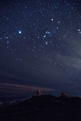 Starry, starry night. (chris.ph) Tags: haleakala astrophotography maui stars planets orionsbelt observatory sky hawaii canon6d ef1635mmf4lisusm laser night affinityphoto abovetheclouds