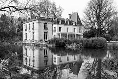 en N&B (Hélène Baudart) Tags: nb maison jardin champagne campagne