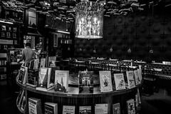 Cook&Book (Woluwe-Saint-Lambert) (saigneurdeguerre) Tags: canon eos 5d mark 3 iii europe europa belgique belgië belgium belgien belgica bruxelles brussel brussels brüssel bruxelas ponte antonioponte aponte ponteantonio saigneurdeguerre woluwe saintlambert stlambert woluwesaintlambert stlambrechtswoluwe sintlambrechts cook book cookbook librairie boekhandel
