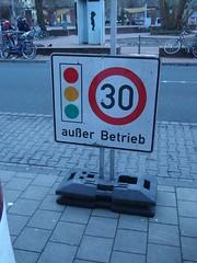 T30 außer Betrieb (mkorsakov) Tags: münster city innenstadt schild sign verkehrsschild trafficsign tempo30 auserbetrieb outoforder wtf