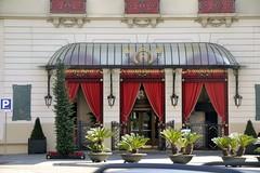 HOTEL PALACE BARCELONA (ANTIC HOTEL RITZ) (Yeagov_Cat) Tags: 2019 barcelona catalunya hotelpalace hotelpalacebarcelona palacebarcelona antichotelritz hotelritz ritz granviadelescortscatalanes carrerrogerdellúria carrerderogerdellúria eduardferrésipuig 1919