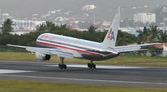 B757 | N173AN | SXM | 20050114 (Wally.H) Tags: boeing 757 boeing757 b757 n173an americanairlines sxm tncm stmaarten princessjuliana airport
