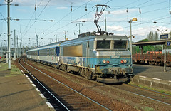 15055 Thionville (Gridboy56) Tags: sncf france thionville 4330 lorazur niceville luxembourg bb15055 coaches coach europe electric express locomotive locomotives trains train railways railroad