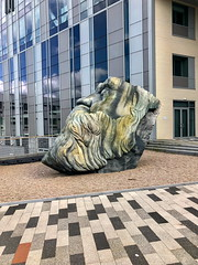 Karl (Bruce Poole) Tags: brucepoole karlmarx universityofsalford iphone8 barba barbe bart beard brucespace bust campus reflection sculpture statue