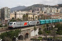 Nonostante tutto... (Maurizio Zanella) Tags: treni trains ferrovia railways mir mercitalia fs e494505 e494040 shimmns italia genova sampierdarena lis84790