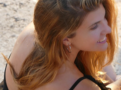 Desirè (o.solemio) Tags: photo n°487 minoosolemio ritratto portrait ragazza sorriso capelli lunghi denti bianchi primo piano allaperto colore girl leicavlux