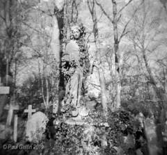 Highgate Cemetery 3 (global griff) Tags: 120film bwfilm england holga negscans monuments tmax400 london cemetary tombstone analogphotography