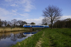 Lint 41 Bentheimer Eisenbahn VT 113 over rivier de Lhee 13-04-2019 (marcelwijers) Tags: lint 41 bentheimer eisenbahn vt 113 over rivier de lhee 13042019 95 80 1648 6135 dbe alstom coradia 41h be