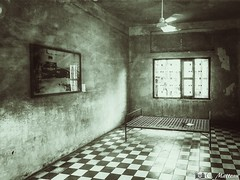 180724-09 Tuol Sleng (S21) (2018 Trip) (clamato39) Tags: tuolsleng s21 phnompenh cambodge cambodia asia asie voyage trip monochrome intérieur inside musee