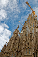 A work in progress - Sagrada Familia (HansPermana) Tags: barcelona catalunya catalonia spain spanien katalonien hafenstadt hafen november 2018 herbst autumn city cityscape tourism architecture church gaudi sagradafamilia construction