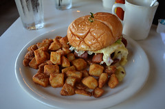 MCO_WP_Briarpatch_01 (chiang_benjamin) Tags: orlando florida briarpatch winterpark brunch breakfast food meal homefries burger