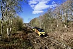 70809 56090 Oakenshaw 25 Mar 19 (doughnut14) Tags: 6e32 rail freight diesel loco colas ribble preston tanks oakenshaw 70809 56090 lindsey cum uglybetty