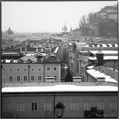 Early winter-morning_Hasselblad (ksadjina) Tags: 6x6 austria fujiacros100 hasselblad500cm lichteinfallmagazin nikonsupercoolscan9000ed nockstein salzburg silverfast analog blackwhite film lightleak pushedtoasa400 scan snow winter
