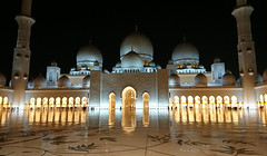 Sheikh Zayed Grand Mosque (Seventh Heaven Photography *) Tags: sheikh zayed grand mosque abu dhabi unites arab emirates night light prayer architecture marble domes arches worship minaret sony xperia xz1 phone camera