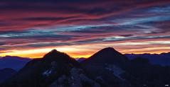Amanece (candi...) Tags: montaña amanecer sonya77ii naturaleza nature airelibre arboles cielo nubes