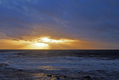Sunset behind Lady Isle lighthouse seen from Troon during Storm Erik (cmax211) Tags: lady isle lighthouse storm erik troon ayrshire scotland clyde firth sundown 2019