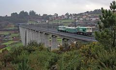 Caldo galego (Iago G. V.) Tags: adif o eixo santiagodecompostela serie 319 319340 vur auscultador de catenaria 606 linea alta velocidad ourense ferrocarril