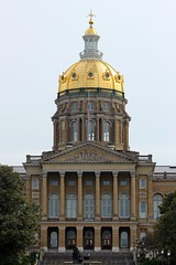 Iowa State Captial Building Gold Dome (boom_goes_the_canon) Tags: iowa state capital building capitol dome desmoines statecapital capitalbuilding nationalregisterofhistoricplaces architecture golddome