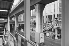 Urb16 Df_244 (c a r a p i e s) Tags: carapies cityscapes 2016 nikondf asia thailand tailandia bangkok siamsquare skywalk bw blackwhite blancoynegro architecture arquitectura fotografiaurbana urban urbanphotography urbanidad urbvanidad urbvanity urbanphoto streetphoto streetlife