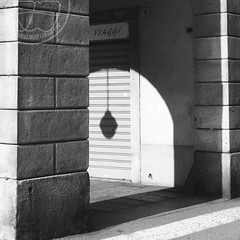 Light Trips (lightsaber*) Tags: light trip viaggi bianco nero bw canon 7d shadow explore wall sunday black white street lamp meafisica metaphysics square arch