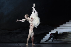 Nehemiah Kish as The Creature and Meaghan Grace Hinkis as Elizabeth Lavenza in Frankenstein, The Royal Ballet © 2019 ROH. Photograph by Andrej Uspenski (Royal Opera House Covent Garden) Tags: byliamscarlett frankenstein theroyalballet royalballet royaloperahouse production productionphoto meaghangracehinkis nehemiahkish
